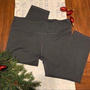 NWOT- Fabletics Dark Gray Capri Leggings -L